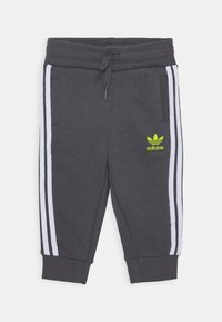 adidas Originals - HOODIE PACK SPORTS INSPIRED TRACKSUIT UNISEX - Dres - black/grey five/white - 2