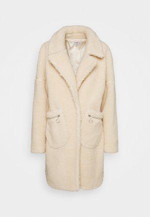 ZIP PATCH POCKET - Winter coat - cream