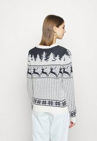 Vila - VICOMET CHRISTMAS - Jumper - snow white/navy - 2