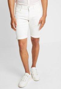 Esprit - MICRO - Shorts di jeans - white - 0