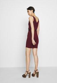 Hervé Léger - ICON STRAP DRESS - Shift dress - dark red - 2