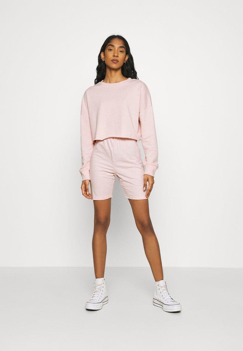 Missguided - CYCLING SET - Sweatshirt - pink