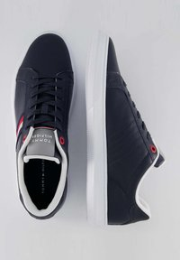Tommy Hilfiger - ESSENTIAL CUPSOLE - Sneakers basse - marine - 1
