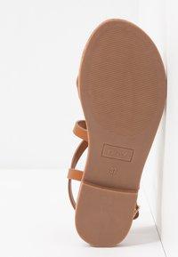 ONLY SHOES - ONLMANDALA CROSSOVER  - T-bar sandals - cognac - 6