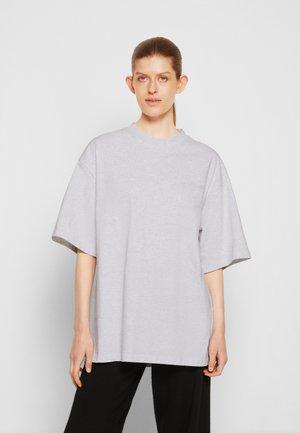 BOYFRIEND TEE - T-paita - light grey