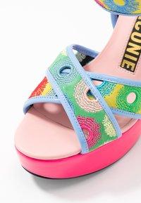 Kat Maconie - CHARLIE - Sandales à talons hauts - lipstick pink/multicolor - 2