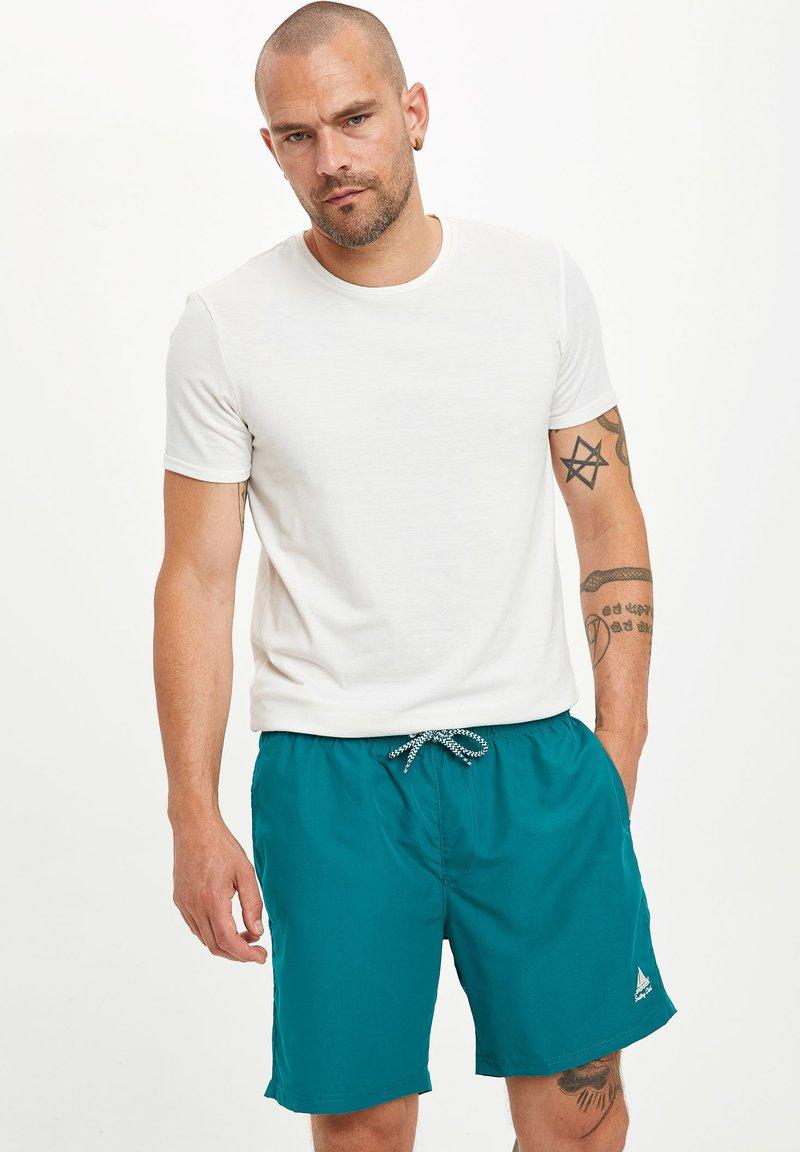 DeFacto - Swimming shorts - green