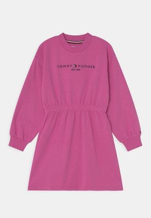 ESSENTIAL DRESS - Jersey dress - vivid fuchsia