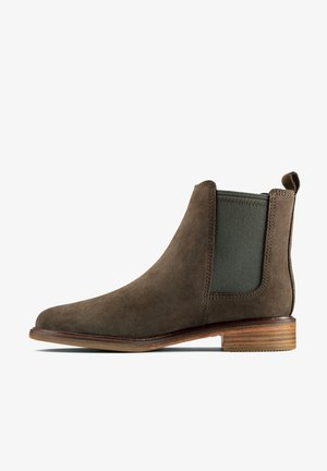 CLARKDALE ARLO - Ankle boots - dark olive sde