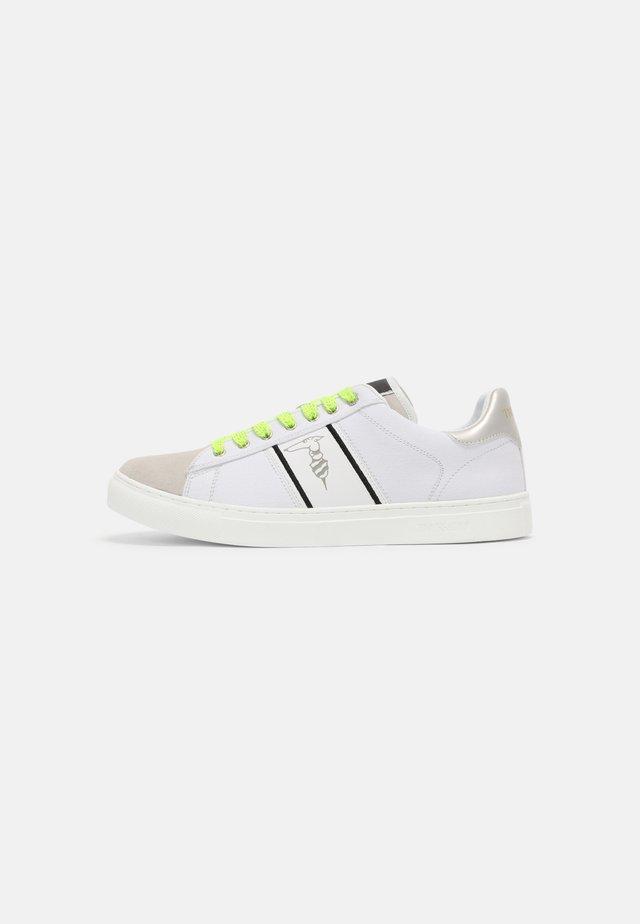 DANUS - Sneakers laag - white
