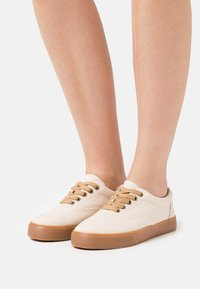 Grand Step Shoes - VENDETTA - Trainers - offwhite - 0