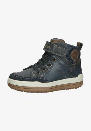 Sneakers hoog - navy/light brown