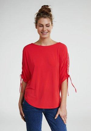 MIT RAFFUNG - Long sleeved top - flame scarlet