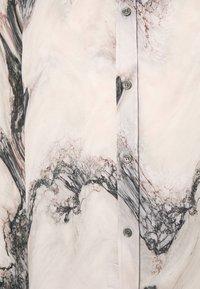 Tiger of Sweden - BENJAMINS - Chemise - artwork - 2