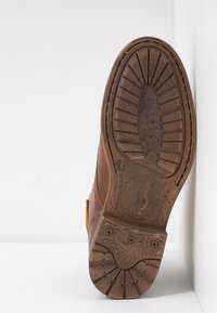 Sneaky Steve - DOVERLAKE - Lace-up ankle boots - cognac - 4