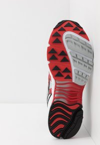 Saucony - GRID WEB - Sneaker low - white/grey/red - 4