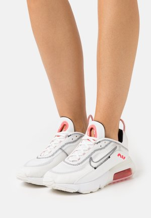 AIR MAX 2090 - Zapatillas - summit white/black/siren red/white