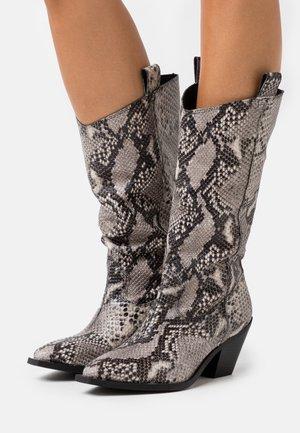 YASSORINA TALL - Cowboy/Biker boots - black