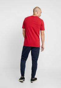 Ellesse - LUCCHESE - T-shirt imprimé - burgundy - 2