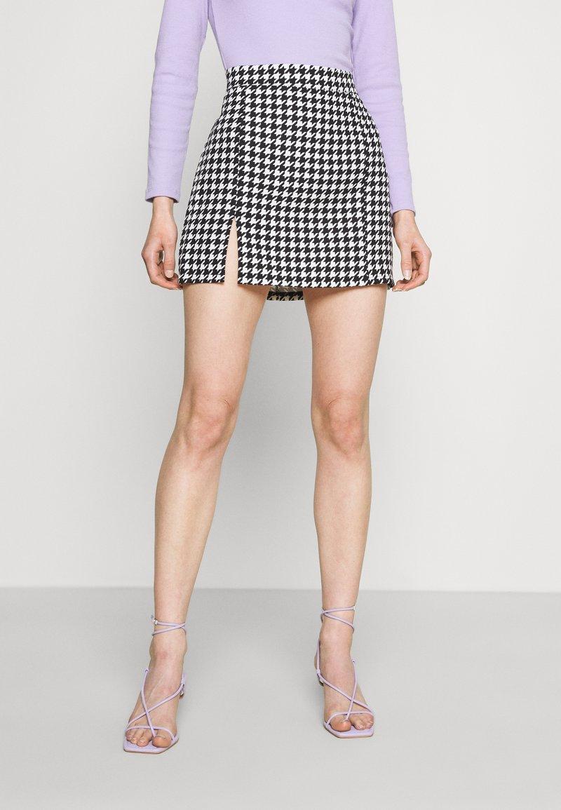 WAL G. - GEMMA DOG TOOTH SKIRT - Mini skirt - black/white