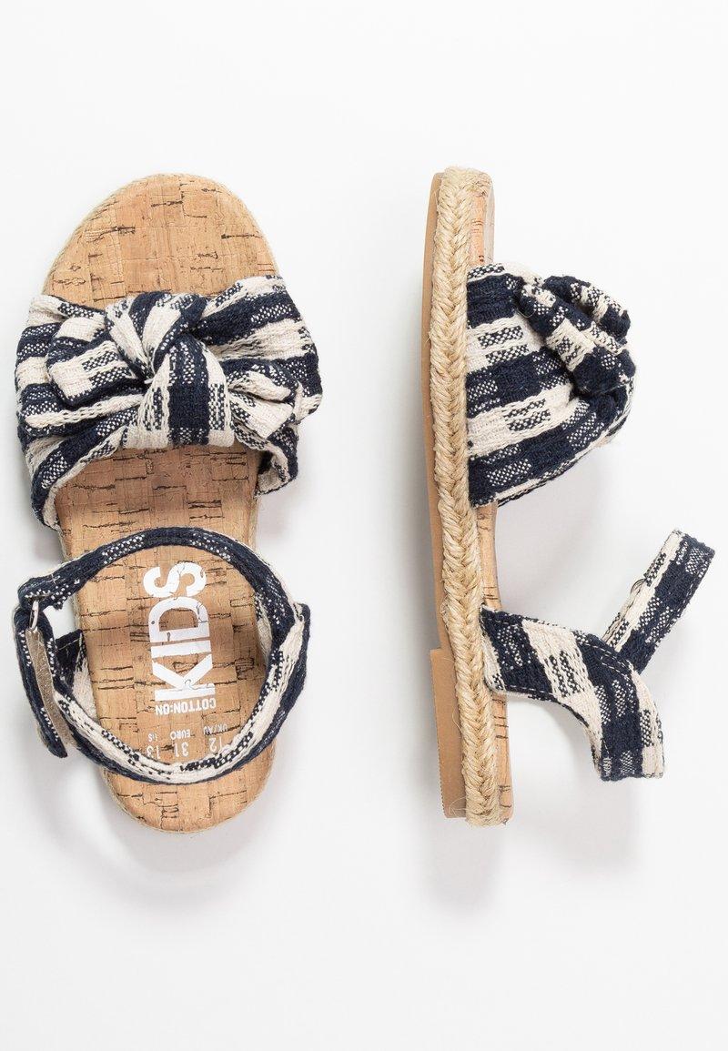 Cotton On - BOW  - Sandalen - navy blazer