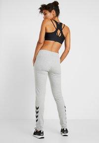 Hummel - HMLNICA - Pantalon de survêtement - grey melange - 2