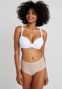 Pour Moi - REBEL PADDED PLUNGE BRA - Soutien-gorge push-up - white - 1