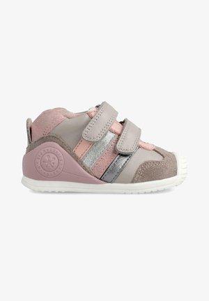 GRIGIO B - Zapatos de bebé - pink