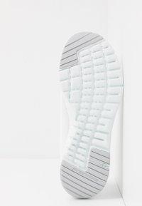 Skechers Sport - FLEX APPEAL 3.0 - Zapatillas - white/silver - 6