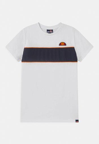 ZABAGLIONE  - T-shirts med print - white