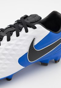 Nike Performance - TIEMPO LEGEND 8 PRO FG - Fotbollsskor fasta dobbar - white/black/hyper royal/metallic silver - 5