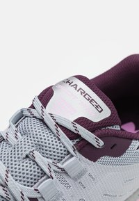 Under Armour - CHARGED BANDIT - Vaelluskengät - mod gray - 5
