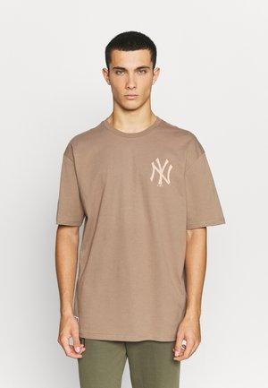 NEW YORK YANKEES  - Klubové oblečení - elm bark