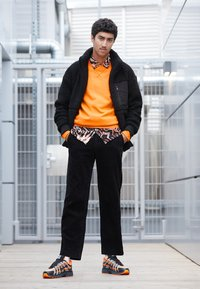 Nike Sportswear - P-6000 - Sneakers - total orange/black/anthracite/flat silver - 6