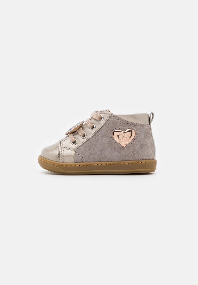 BOUBA HEART - Baby shoes - gris/cooper