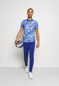 Nike Performance - DRY ACADEMY - Træningsbukser - deep royal blue/larmory blue/white - 1