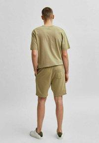 Selected Homme - Shorts - aloe - 2