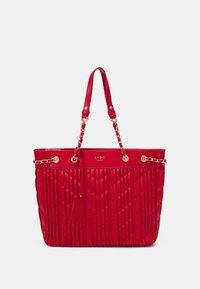 LYDC London - HANDBAG - Shoppingveske - red - 0