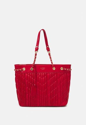 HANDBAG - Bolso shopping - red