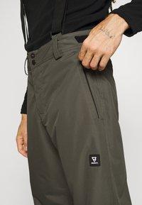 Brunotti - FOOTSTRAP MENS SNOWPANTS - Zimní kalhoty - pine grey - 5