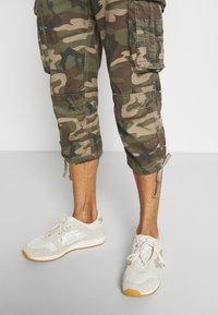 Schott - Shorts - kaki - 3