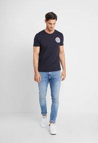 Alpha Industries - T-shirt imprimé - blue - 1