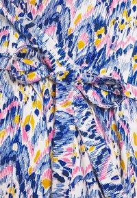 MAMALICIOUS - MLAGNES TESS ABK DRESS - Vestido ligero - snow white/fragrant lilac - 2