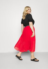 Simply Be - PLISSE MIDI SKIRT - A-line skirt - oxy red - 2