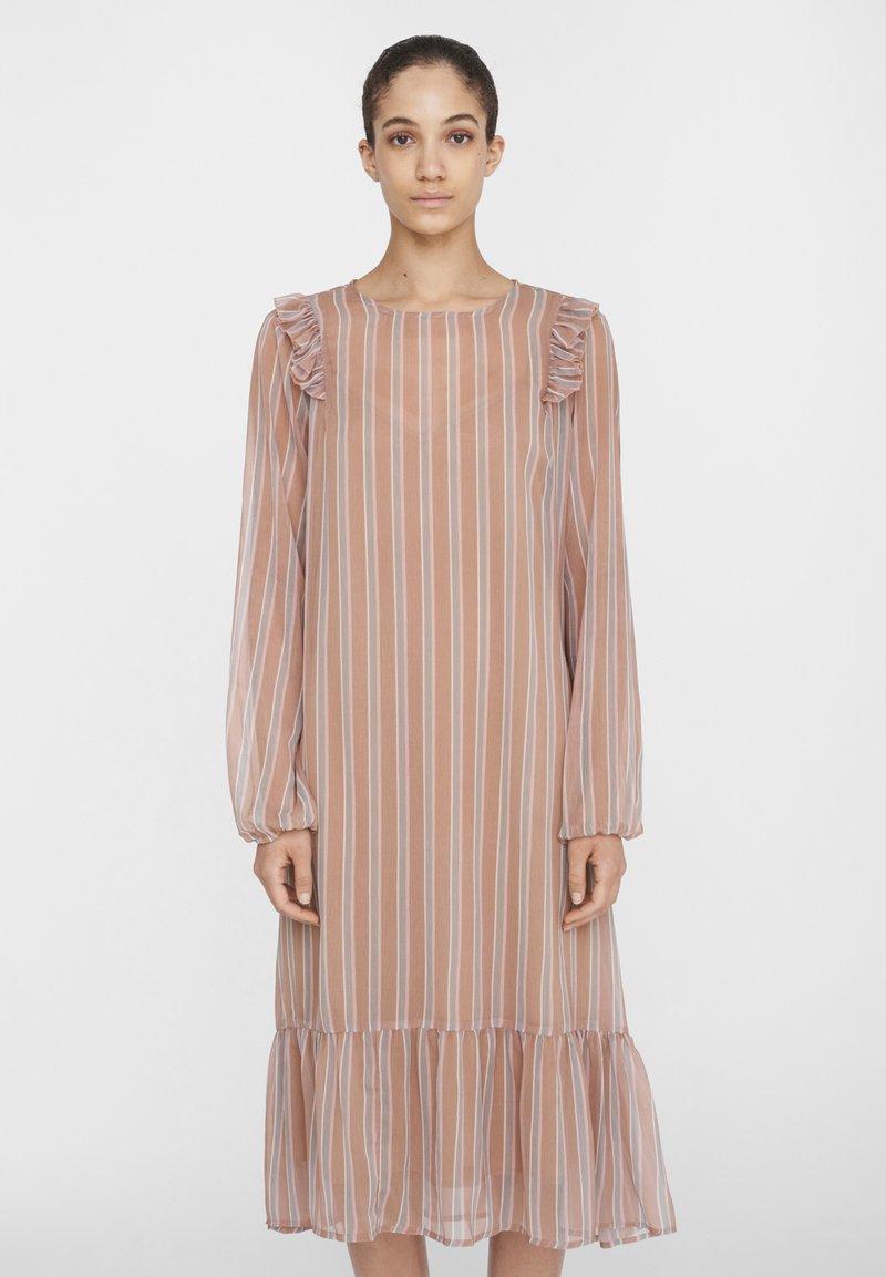 Noisy May - NM CHIFFON - Maxi dress - praline