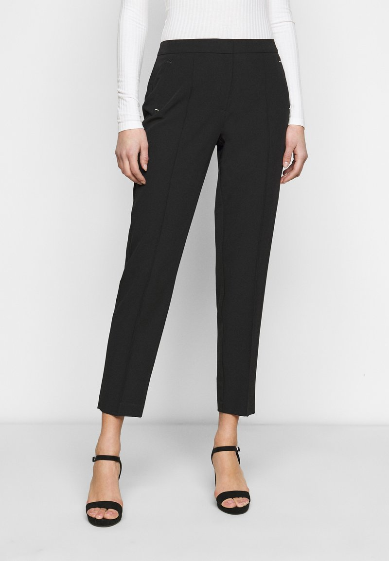 Dorothy Perkins Tall - UPSPEC ANKLE GRAZER WITH ELASTIC BACK - Trousers - black