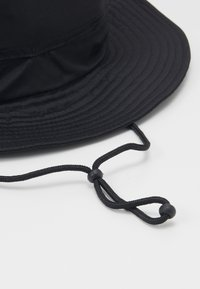 Weekday - CONNECTED BUCKET HAT - Hat - black - 3