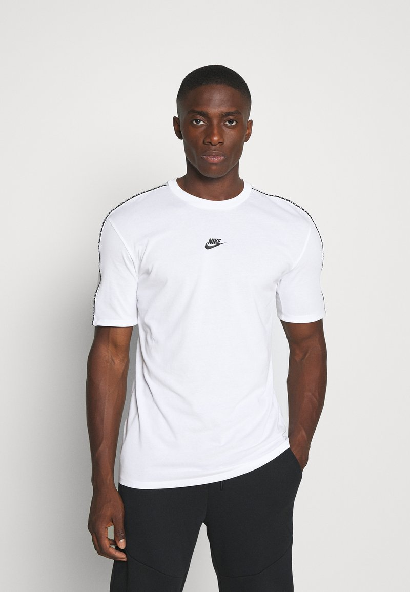 Nike Sportswear - REPEAT - T-shirt - bas - white