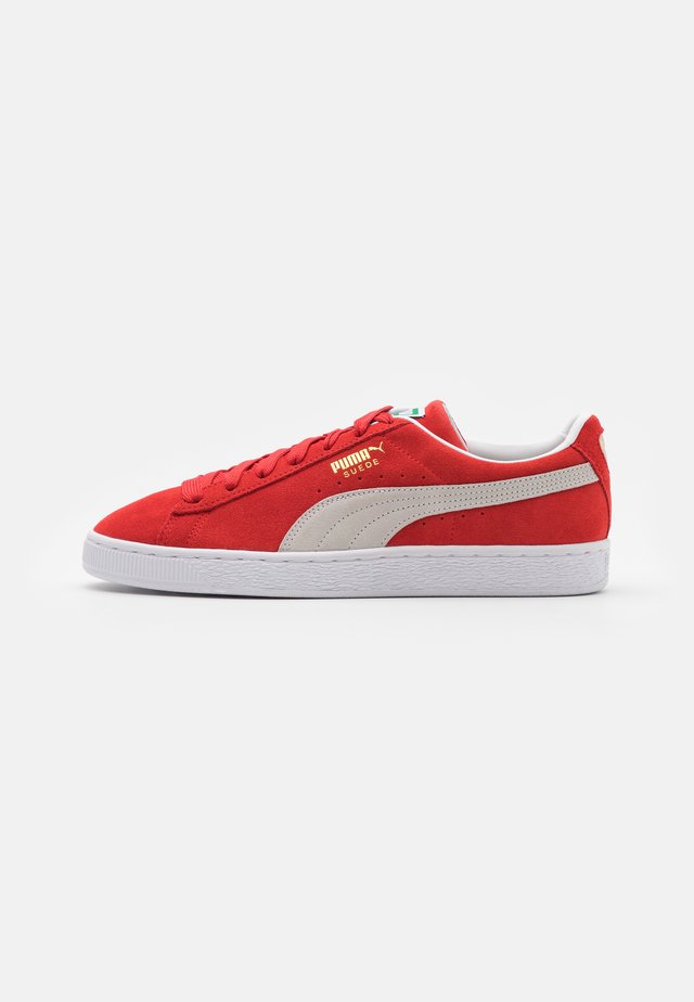 SUEDE CLASSIC - Baskets basses - high risk red/white