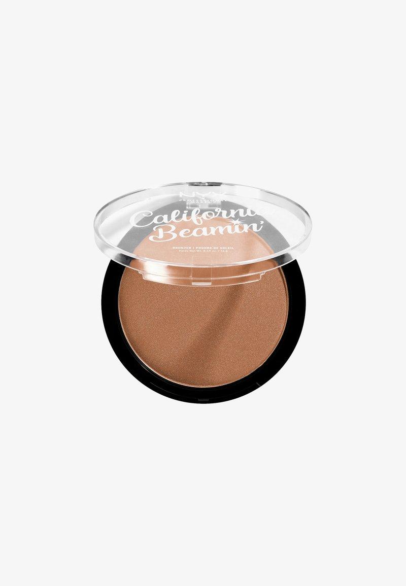 Nyx Professional Makeup - CALIFORNIA BEAMIN´ FACE & BODY BRONZER - Bronzer - 3 sunset vibes